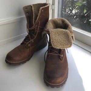 Timberland Teddy Fleece Lines Boots